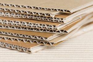 Brunt papir og bølgepapp